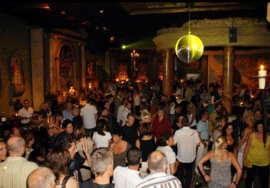 single bar oberhausen Spätestens seit ihrer ersten ep each one tice one (2014) und den darauf gruppe libertärer menschen im umfeld einer bar in madrid namens bataclan.